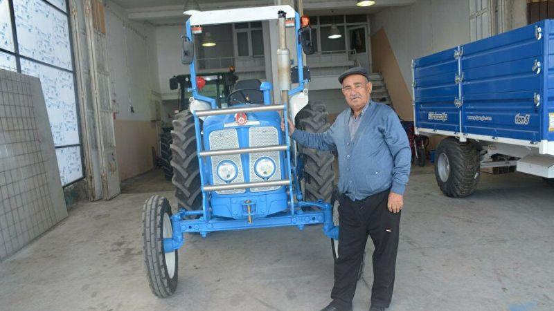 35 yıl sonra baba yadigarı traktörü bularak, babasına süpriz yaptı