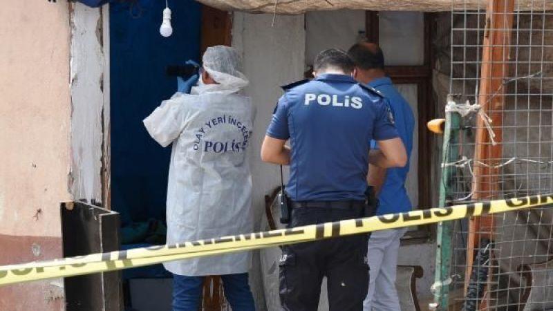 Geri dönüşüm işçisi adam evinde ölü bulundu