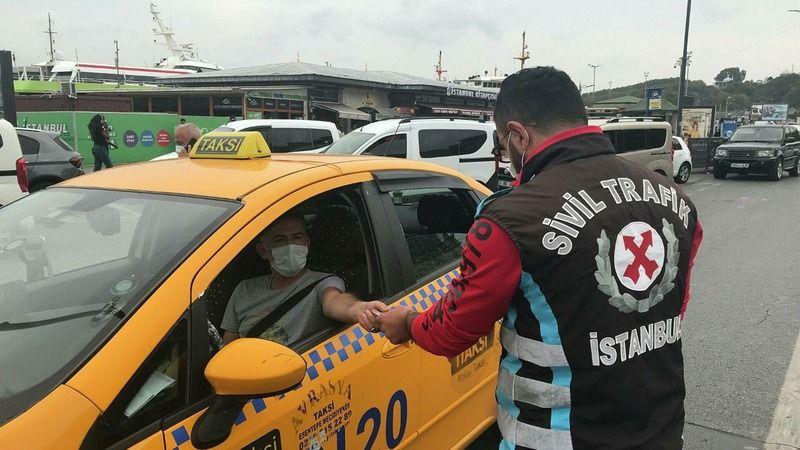 Sivil polisler Arap turist kılığına girerek taksicileri denetledi