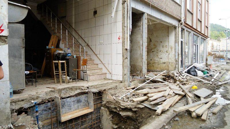 Sel nedeniyle zarara uğrayan genç, fazla ödenen 750 bin TL'yi iade etti