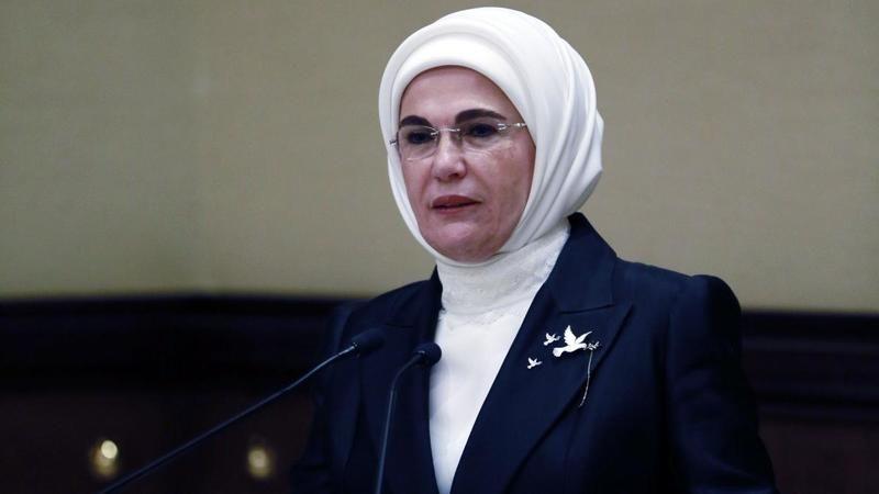 Emine Erdoğan'dan kadınlara çağrı