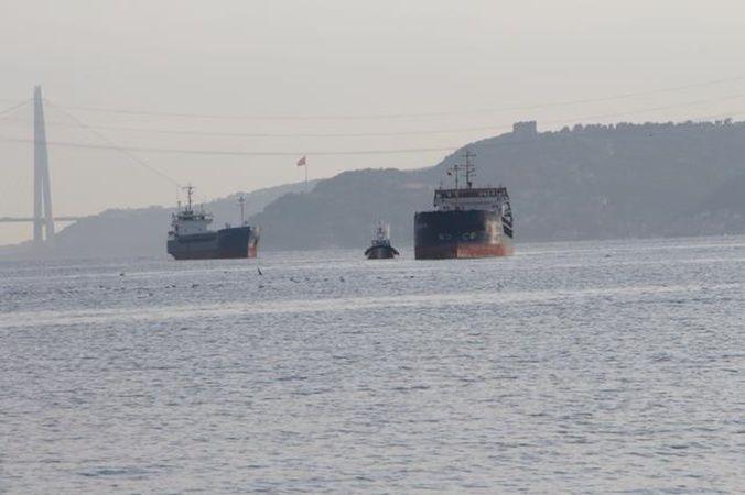 Boğaz'da Türk ve Rus bandralı 2 gemi çarpıştı