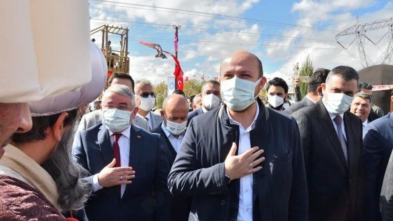 TÜGVA hakkındaki iddialara Bilal Erdoğan'dan açıklama