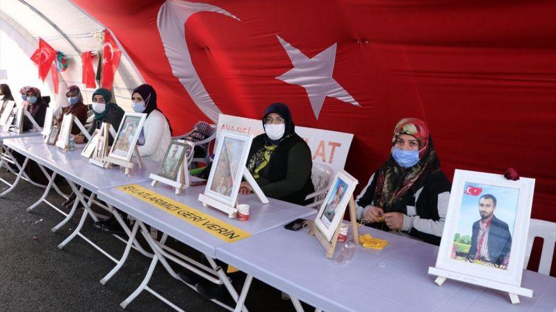 """Diyarbakır annelerinden çocuklarına """"teslim ol """"çağrısı"""