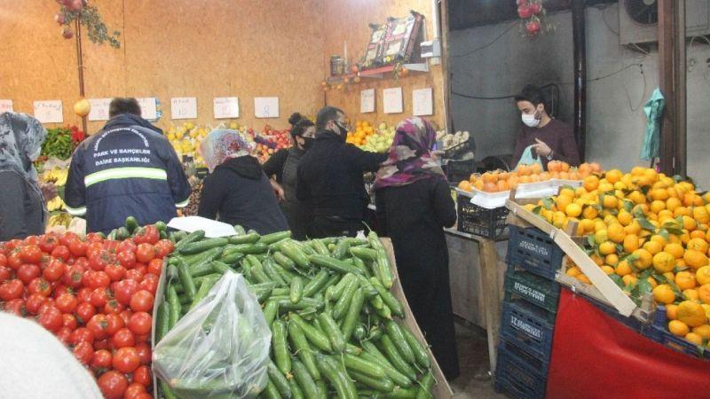 Vatandaşlar Manavlara ve Marketlere Koştu