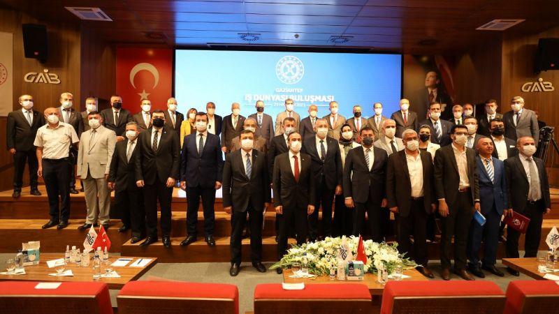 Hükümet ve iş dünyası temsilcileri, GAİB'de buluştu