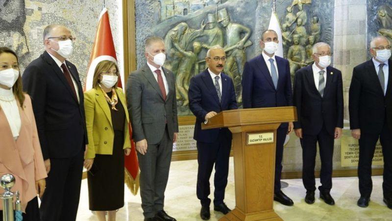 Bakanlar Gül ve Elvan, Gaziantep'te ziyaretlerde bulundu