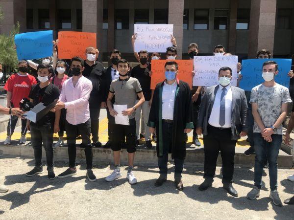Gaziantep, Malatya ve Şanlıurfa'da üniversite sınavına giren gençler Kılıçdaroğlu'na 1 liralık tazminat davası açtı