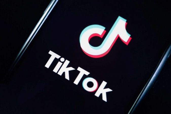 """Pakistan """"Ahlaksız ve müstehcen"""" içerikler gerekçesiyle TikTok'u askıya aldı"""