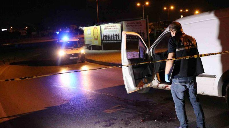 Aracından inerken silahlı saldırıda öldü
