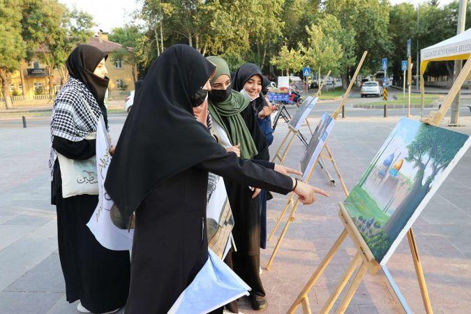 Minia Kudüs tırı halktan yoğun ilgi gördü