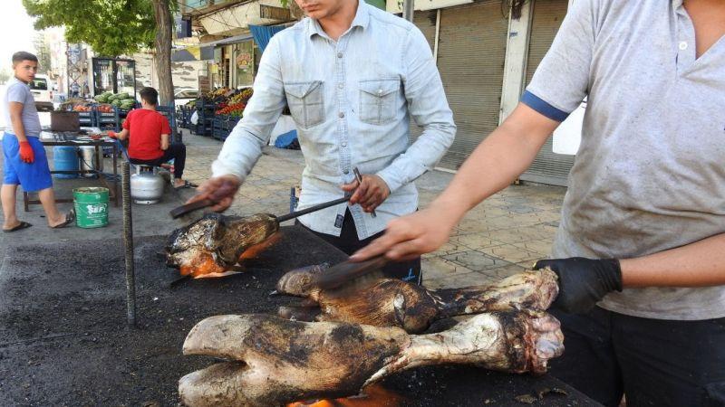 Kurban Bayramı'nda kelle ütücülerinin yoğun mesaisi
