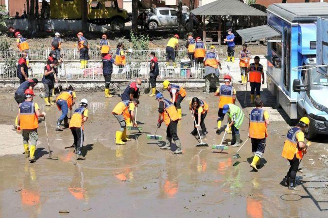 AFAD, yangın ve sel afeti destek hesabına yatan bağışları açıkladı