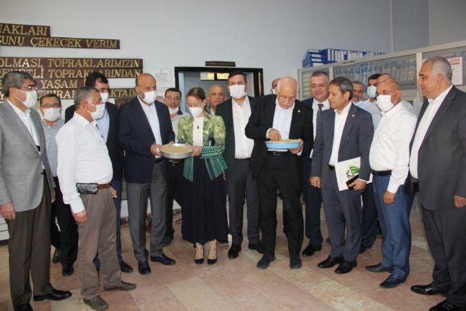 AK Parti Gaziantep milletvekilleri Gaziantep Ticaret Borsasında