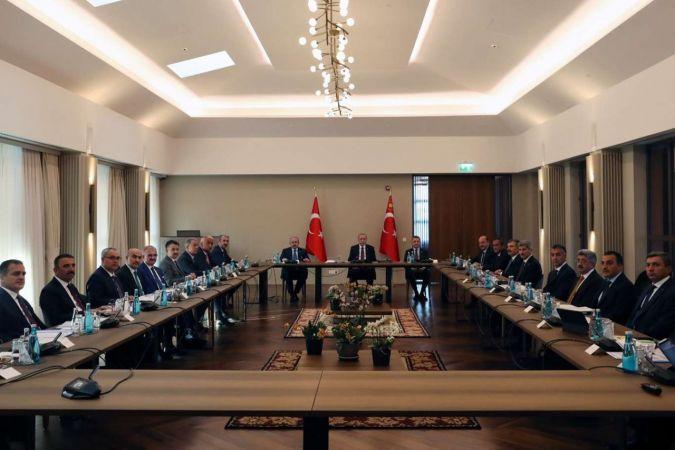 Cumhurbaşkanı Erdoğan, Ahlat'ta düzenlenen bölge valileri toplantısına başkanlık etti