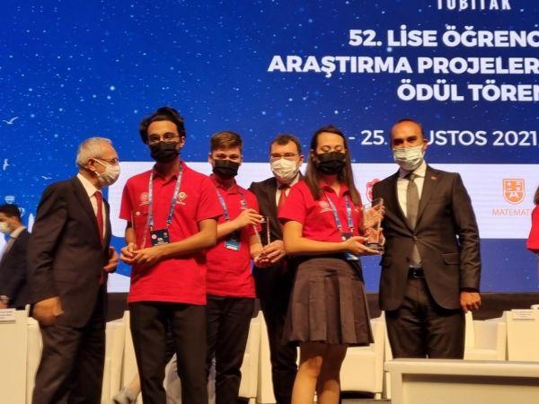TÜBİTAK'ta Türkiye ikincisi olan SANKO öğrencileri ödüllendirildi