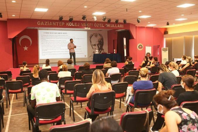 """GKV'de """"Yeni Nesil Sorular"""" konulu söyleşi gerçekleştirildi"""
