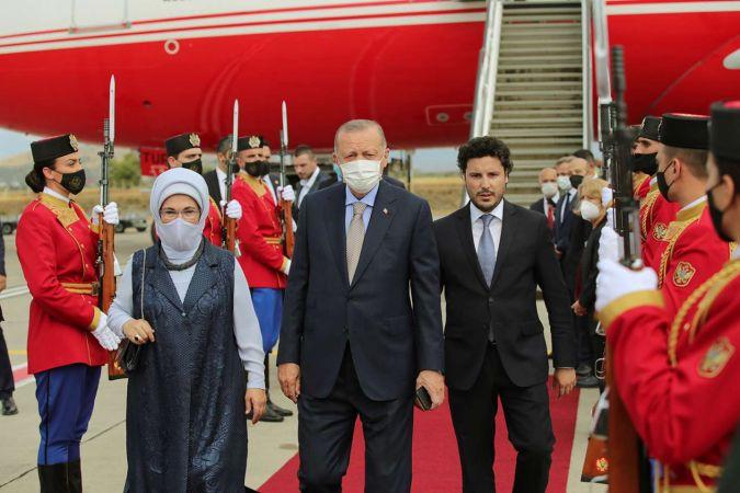 Cumhurbaşkanı Erdoğan Türkiye'ye döndü