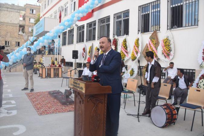 Şanlıurfa'da hayırseverlerin katkılarıyla yaptırılan okullar eğitime açıldı