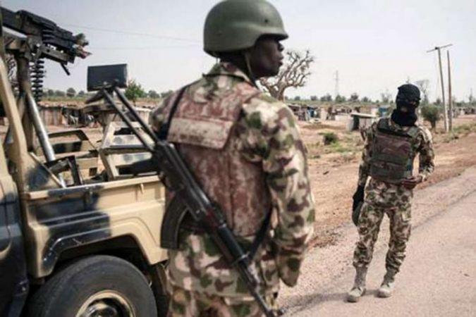 Nijerya'da 12 asker öldürüldü