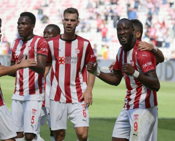 Süper Lig: DG Sivasspor: 1 - Gaziantep FK: 0 (İlk yarı)