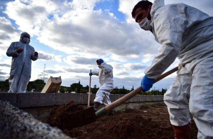 Türkiye'de 213 kişi daha Covid-19 nedeniyle vefat etti
