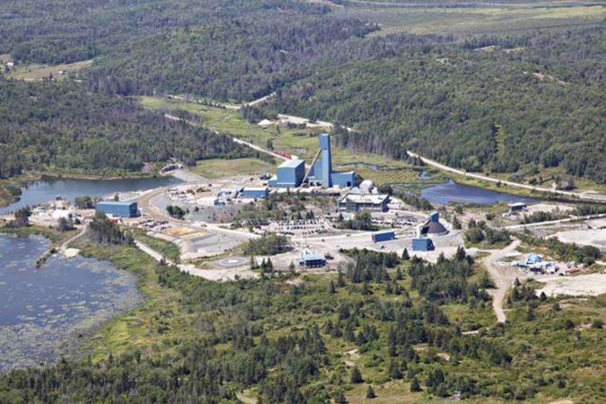 Kanada'da mahsur kalan madencilerden 33'ü kurtarıldı