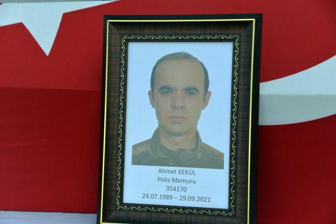 Evinde bıçakla yaralanan Özel Harekat polisi, hastanede hayatını kaybetti
