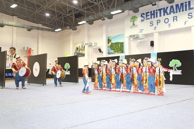 Halk oyunları yarışması sona erdi