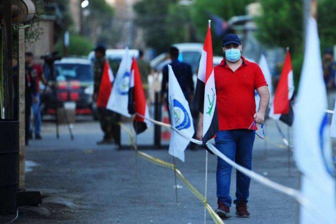 Irak'ta oy verme işlemleri başladı