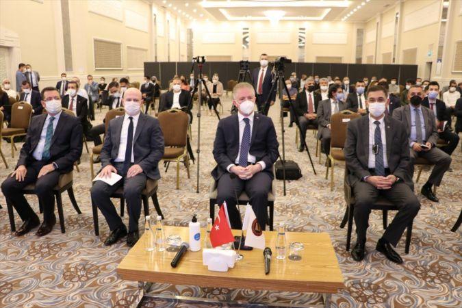 """Gaziantep'te """"Savunma Sanayii Tedarikçi Zirvesi"""" düzenlendi"""