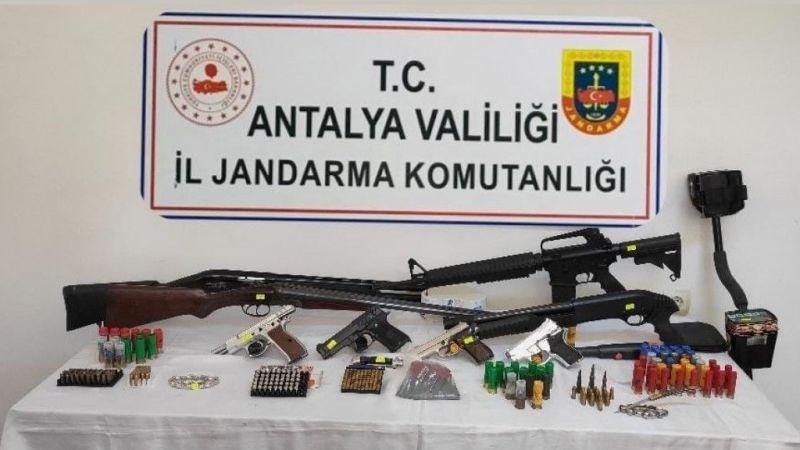 Silah kaçakçılarına şafak operasyonu: 8 gözaltı
