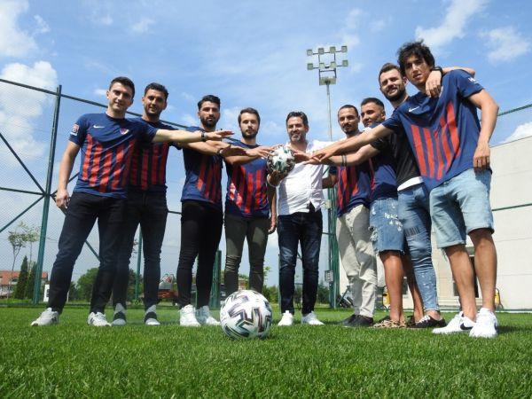 Düzcespor'da hangi futbolcular sözleşme imzaladı