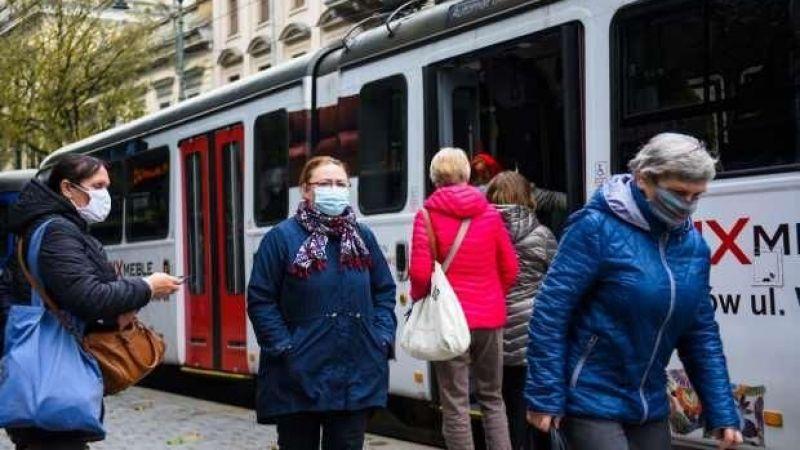 Polonya'dan Schengen ve EEA dışından gelecek yolculara 10 günlük zorunlu karantina