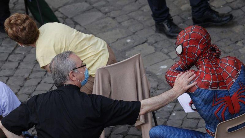 Örümcek Adam, Papa ile görüştü