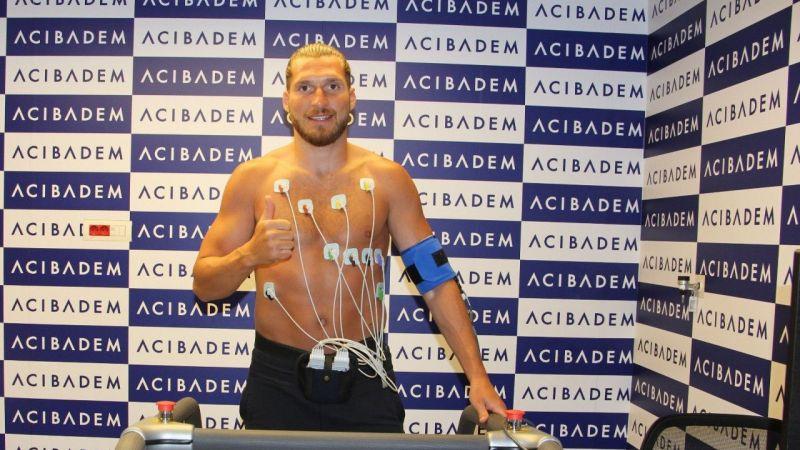 Sivasspor'un yeni transferi Koray Altınay sağlık kontrolünden geçti