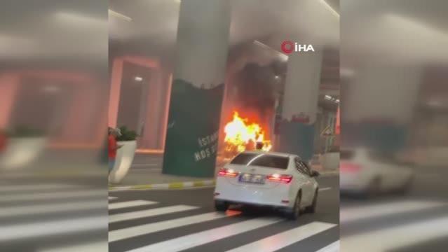 İstanbul Havalimanı'nda korkutan anlar: Vip araç hem patladı hem de alev alev yandı
