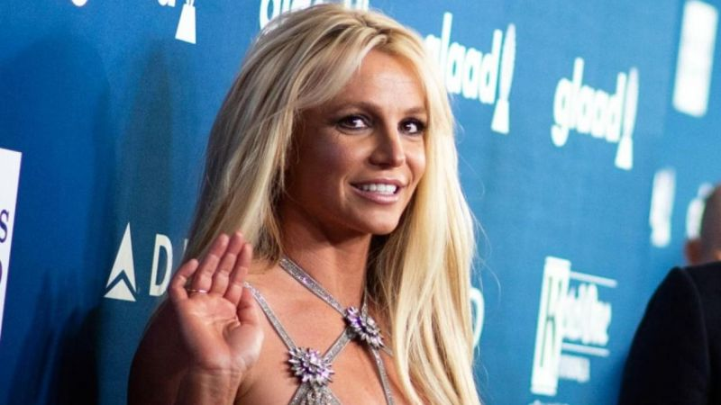 Britney Spears, hayranlarından özür diledi