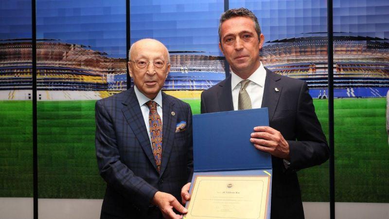 Fenerbahçe'de yeni yönetim mazbatasını aldı