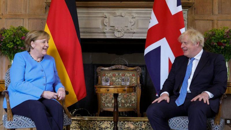 """Almanya Başbakanı Merkel'den İngiltere'ye """"veda"""" ziyareti"""
