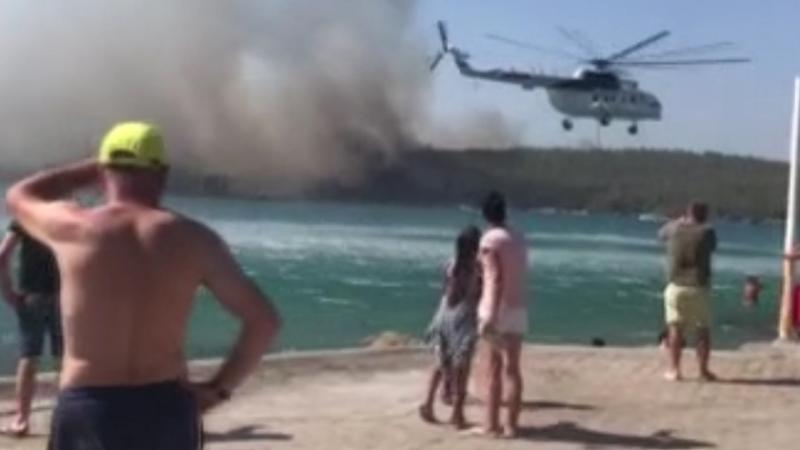 Bodrum'daki yangın otellere yaklaştı, müşteriler teknelerle tahliye ediliyor