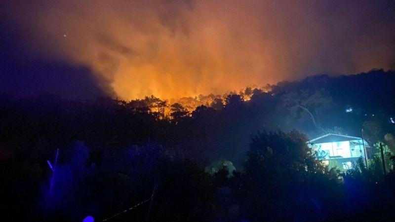 Seydikemer yangını büyüyor