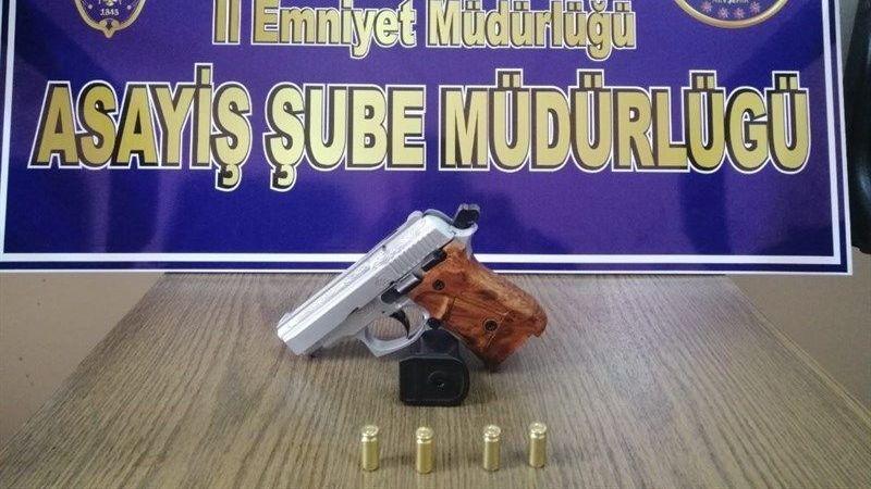 Nevşehir'de araçlardan cephanelik çıktı