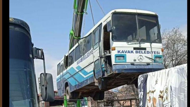 Kavak'ın efsane otobüsü emekliye ayrıldı