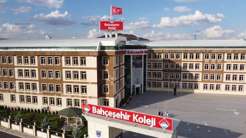 Bahçeşehir Koleji öğrencisi Türkiye birincisi oldu
