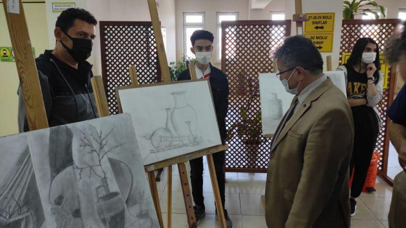 1000 Meslek Lisesi resim sergisi açıldı