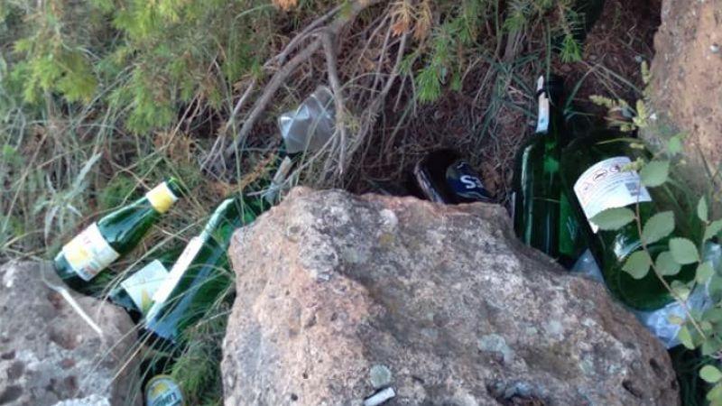 Doğa alkol şişeleri ile kirletiliyor