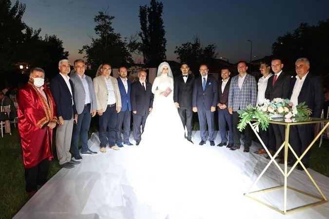 Eski başkan'ın kızı evlendi