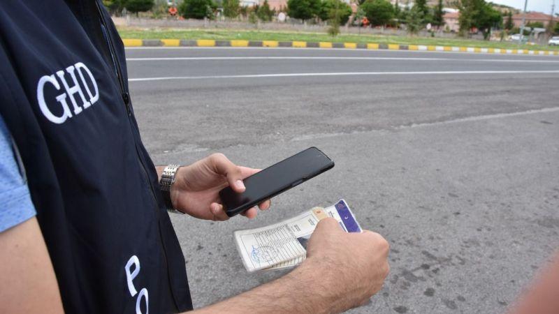 Kaçak 8 Afganlı sınır dışı edildi