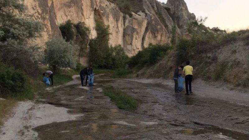 Ülkücüler turistik yerleri temizliyor
